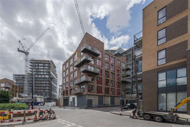 2 Bedrooms Property for sale in St Lukes Square, Canning Town, London, E16
