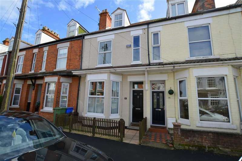 4 Bedrooms Property for sale in Clifton Street, Hornsea, East Yorkshire