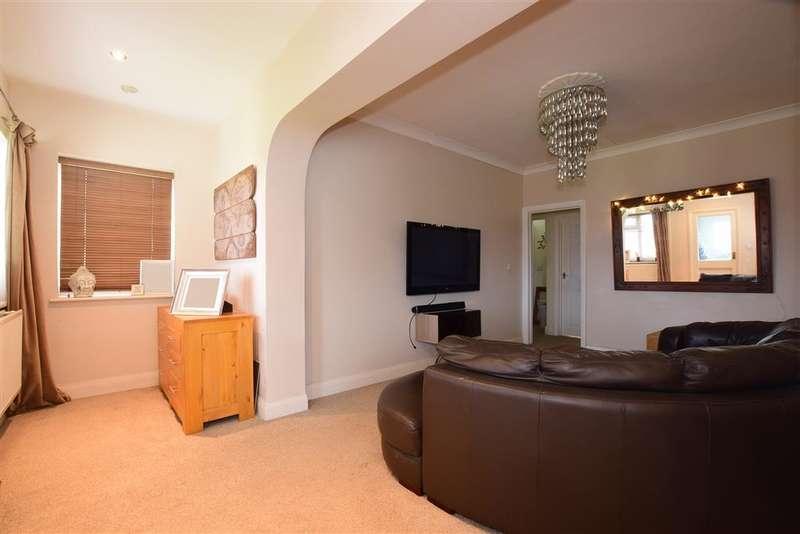 4 Bedrooms Bungalow for sale in Kings Drive, Bognor Regis, West Sussex