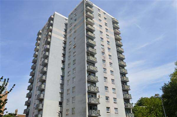 2 Bedrooms Apartment Flat for sale in Trove Court, Newcastle Hill, Ramsgate