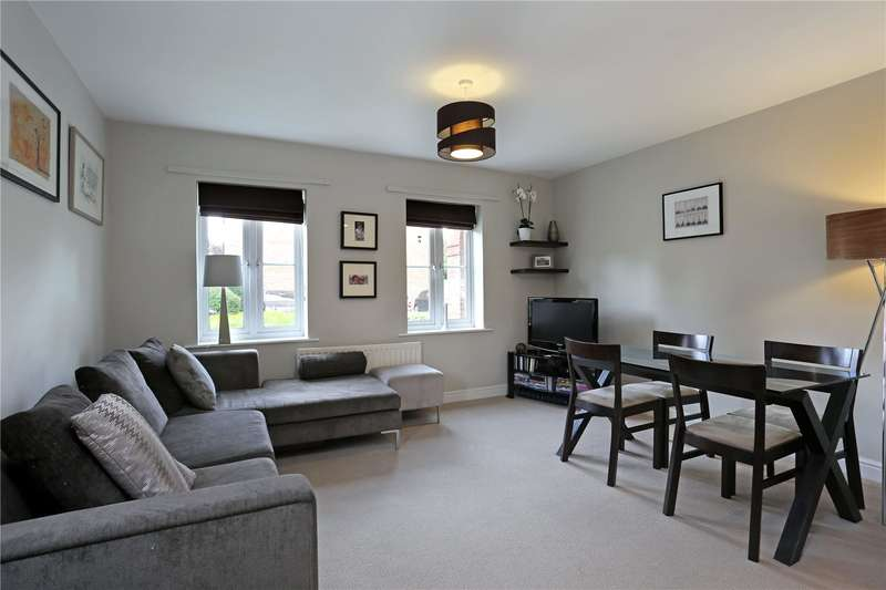 2 Bedrooms Flat for sale in Kingsleigh Close, Brentford, TW8