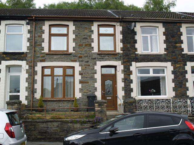 3 Bedrooms Terraced House for sale in Mountain Ash Road, Abercynon, CF45 4PR