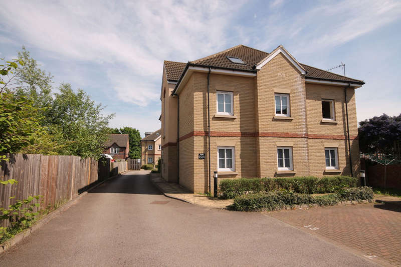 1 Bedroom Flat for sale in Walsingham Close, Bedford, MK42