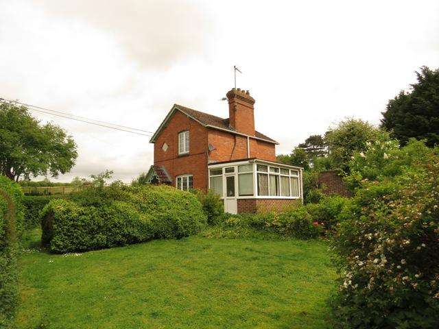 2 Bedrooms Detached House for sale in VILLAGE STREET, MONXTON, ANDOVER SP11