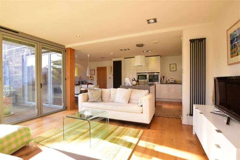 5 Bedrooms Detached House for sale in Withdean Avenue, Goring-By-Sea, Worthing, West Sussex
