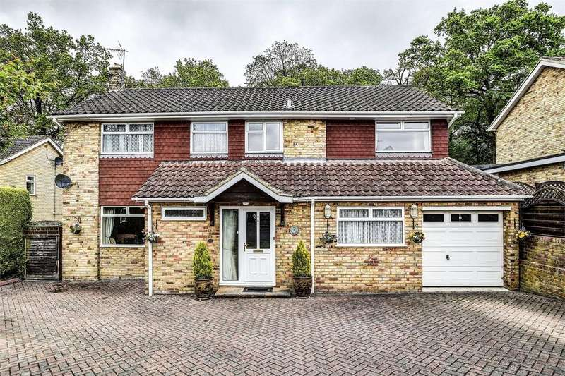 4 Bedrooms Detached House for sale in Phillips Close, HEADLEY