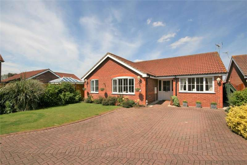 3 Bedrooms Detached Bungalow for sale in Swales Road, Humberston, DN36