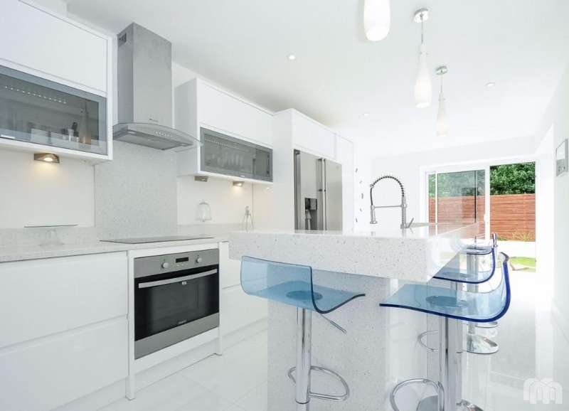5 Bedrooms Semi Detached House for sale in Portland Road Hove East Sussex BN3