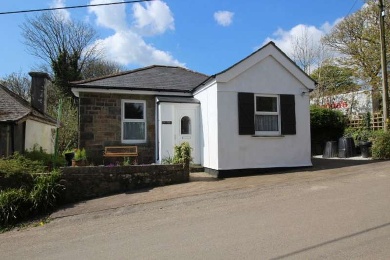 3 Bedrooms Detached Bungalow for sale in Bolenowe, Troon, Camborne, TR14