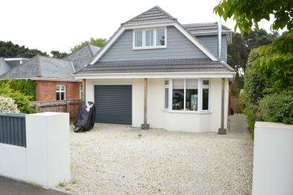 4 Bedrooms Bungalow for sale in Redhill, Bournemouth, Dorset