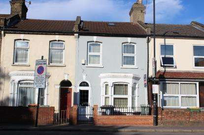 3 Bedrooms Terraced House for sale in Stratford, London, England