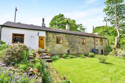 3 Bedrooms Bungalow for sale in Brackenbed Lane, Halifax, West Yorkshire