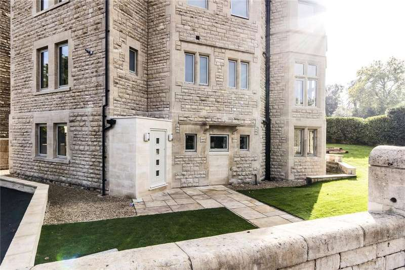 2 Bedrooms Flat for sale in Forester Road, Bath, BA2
