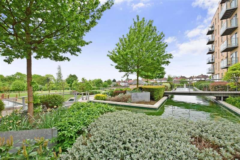 2 Bedrooms Flat for sale in Queen Mary Gate, South Woodford