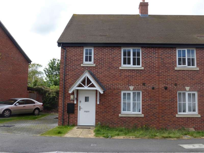 3 Bedrooms Semi Detached House for sale in Woodpecker Close, Great Barford, Bedford, MK44