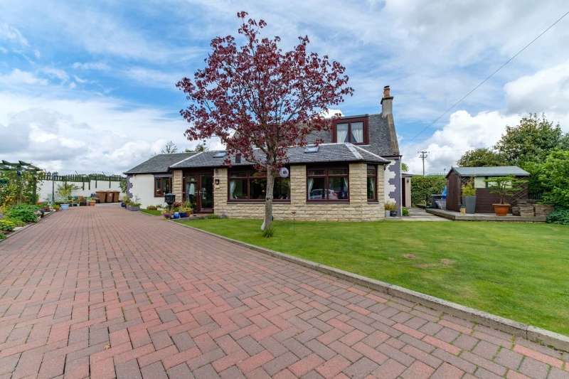3 Bedrooms Detached House for sale in Heights Road, Blackridge, Bathgate, West Lothian, EH48 3SW