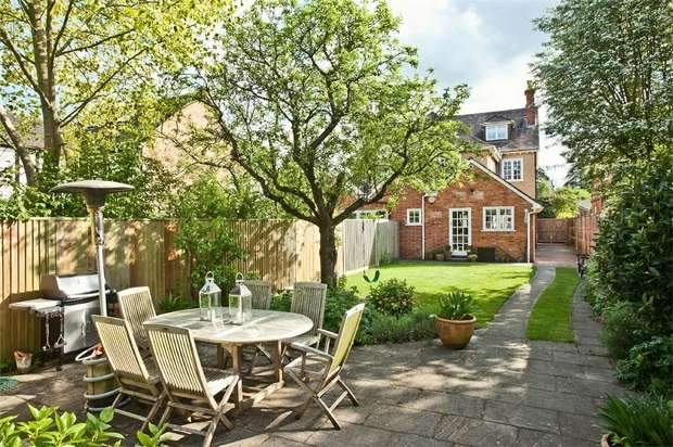 4 Bedrooms Semi Detached House for sale in Lower Shiplake, Henley-on-Thames, Oxfordshire