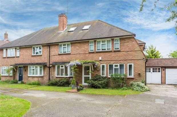 2 Bedrooms Maisonette Flat for sale in Eaton House, Pinewood Road, Iver Heath, Buckinghamshire