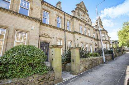 1 Bedroom Flat for sale in Clare Court, Prescott Street, Halifax, West Yorkshire