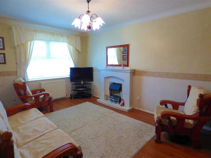 3 Bedrooms Semi Detached House for sale in Burberry Close, Bierley, Bradford, BD4 6QF