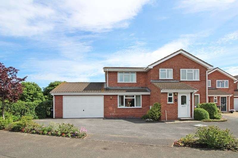 4 Bedrooms Property for sale in Viscount Drive, Mudeford, Christchurch