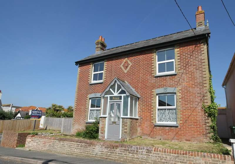 3 Bedrooms Detached House for sale in Freshwater