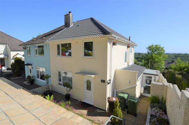 3 Bedrooms Semi Detached House for sale in Brentford Ave, Whitleigh, Plymouth