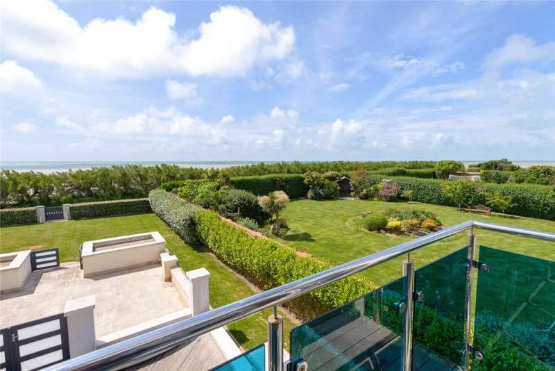 2 Bedrooms Apartment Flat for sale in Blue Waters, 2 Sea Drive, Ferring, Worthing, West Sussex, BN12