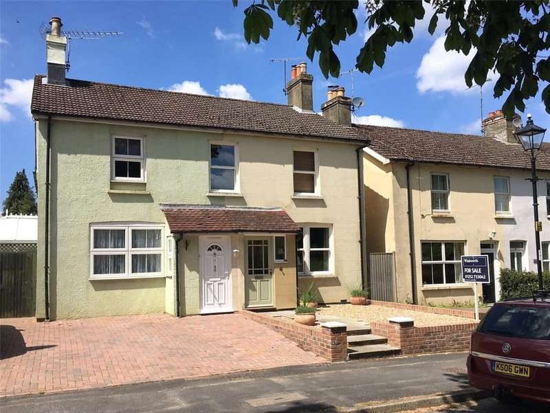 3 Bedrooms Semi Detached House for sale in The Butts, Alton, Hampshire, GU34