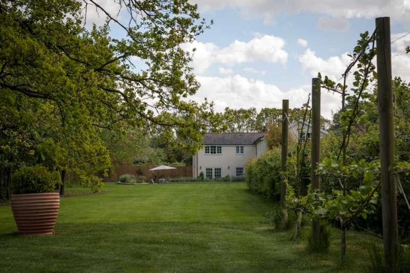 3 Bedrooms Cottage House for sale in East Sands, Burbage