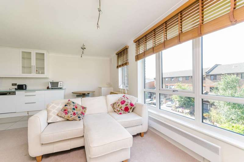 2 Bedrooms Flat for sale in Maltings Place, Sands End, SW6