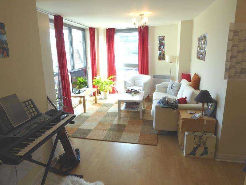 2 Bedrooms Apartment Flat for sale in Centenary Plaza, 18 Holiday Street, Birmingham B1