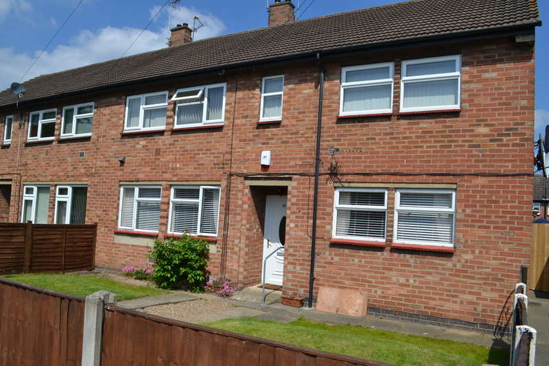 2 Bedrooms Ground Flat for sale in Newark, Churchill Drive