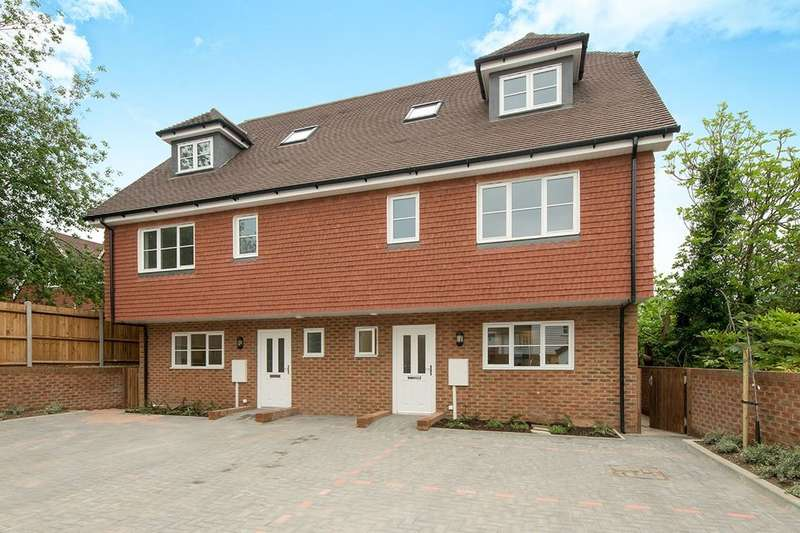 4 Bedrooms Semi Detached House for sale in The Street, Detling, Maidstone, ME14