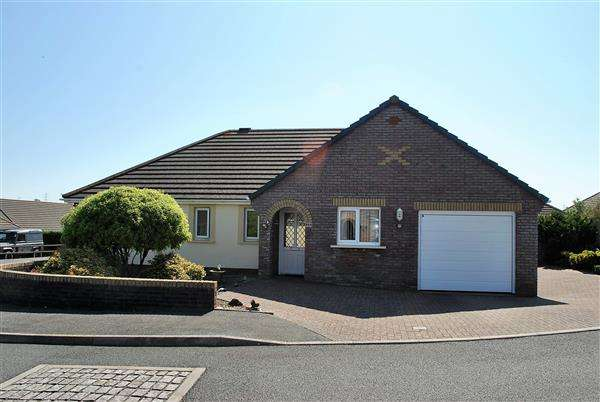 3 Bedrooms Detached Bungalow for sale in Callans Drive, Pembroke