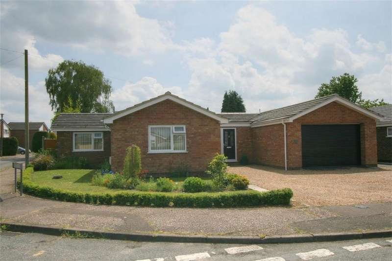 3 Bedrooms Detached Bungalow for sale in Atling Way, Attleborough, Norfolk