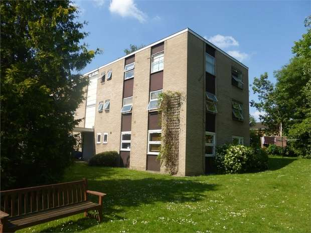 1 Bedroom Flat for sale in Hepple Close, Isleworth, Middlesex
