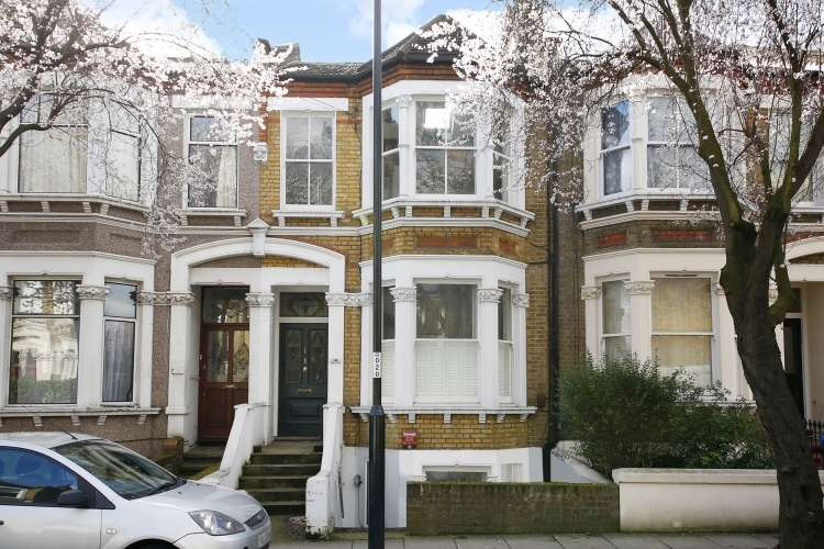 3 Bedrooms Flat for sale in Drakefell Road London SE4