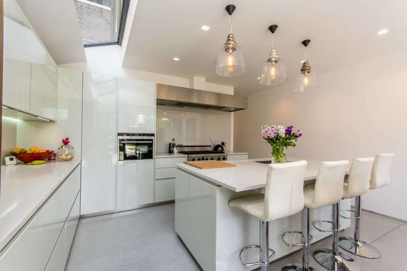 5 Bedrooms Terraced House for sale in Crediton Road, Kensal Rise, NW10