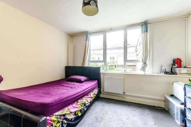 1 Bedroom Flat for sale in Oak Court, Peckham, SE15