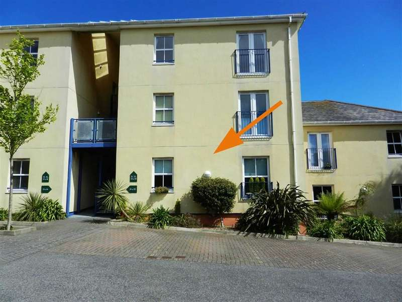 1 Bedroom Flat for sale in Roachs Court, Longstone Hill, St Ives