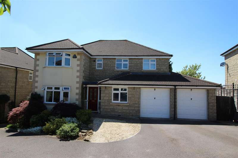 5 Bedrooms Detached House for sale in Portal Close, Chippenham