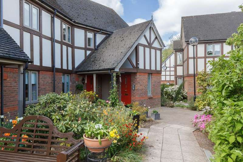 2 Bedrooms Apartment Flat for sale in Nantwich, Cheshire