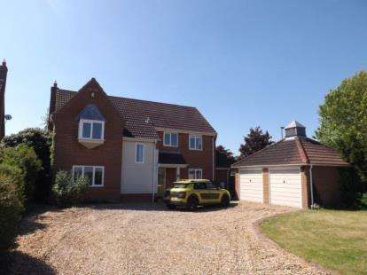 4 Bedrooms Detached House for sale in Wymondham, Norfolk