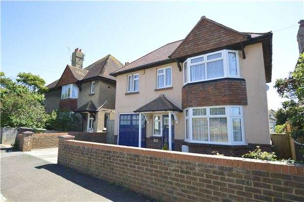4 Bedrooms Detached House for sale in Edmund Road, HASTINGS, East Sussex, TN35 5JZ