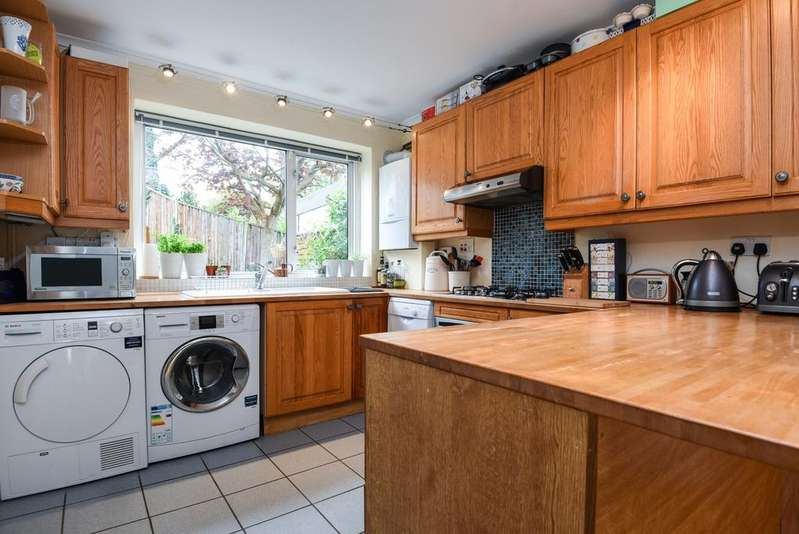2 Bedrooms Terraced House for sale in Webb Road, Blackheath, SE3
