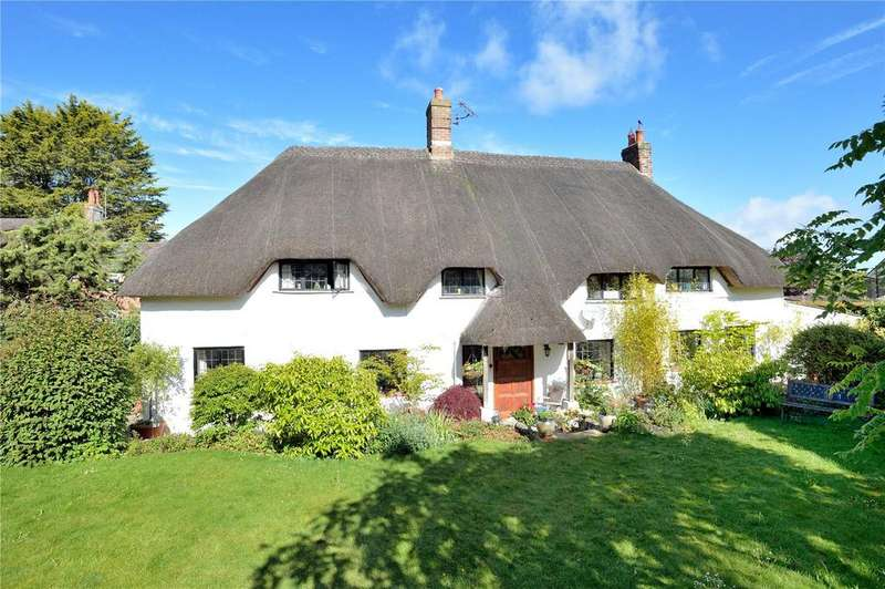 3 Bedrooms Detached House for sale in Higher Street, Okeford Fitzpaine, Blandford Forum, Dorset