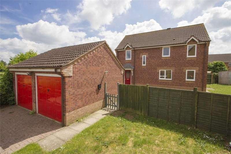 4 Bedrooms Detached House for sale in Bilberry Close, Attleborough, Norfolk