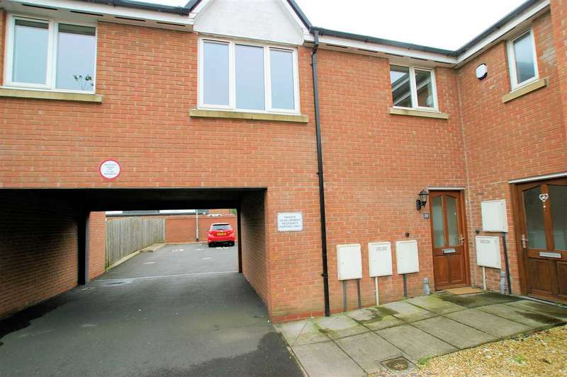 2 Bedrooms Apartment Flat for sale in Whitegate Grove, Longton, Stoke on Trent