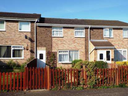 3 Bedrooms Terraced House for sale in Springbrook, Eynesbury, St Neots, Cambs